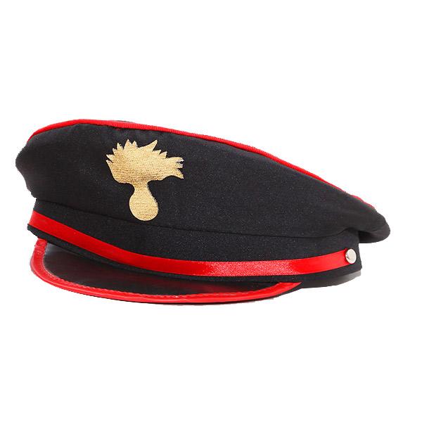 Canzone Ragazzo Con Cappello Nero